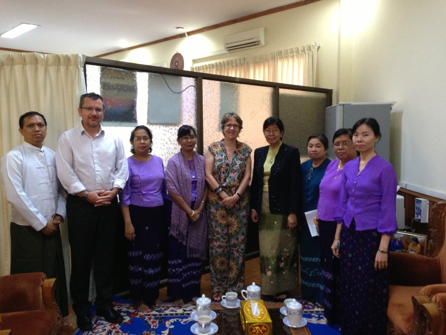 The Head of Convention Secretariat meets Deputy Minister of Health of Myanmar and her staff